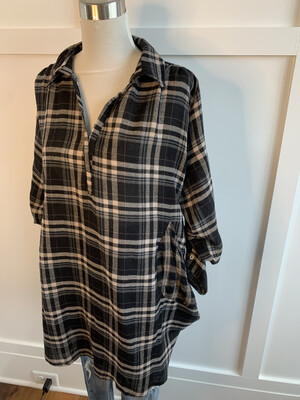 Umgee Black & Tan Plaid Oversized Top - S