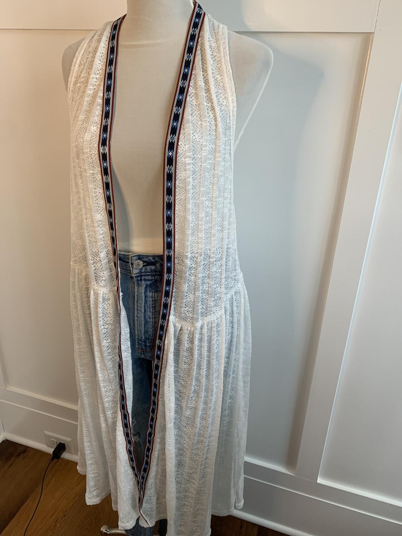 Umgee White Sleeveless Kimono with Aztec Trim - 2XL