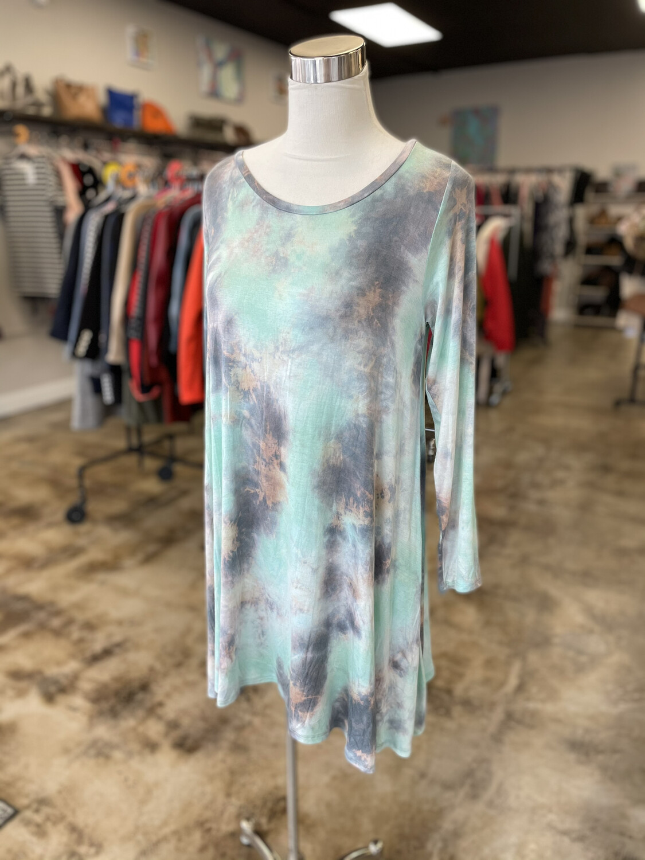 How. Very. Loved Tie Dye Long Sleeve Dress - S