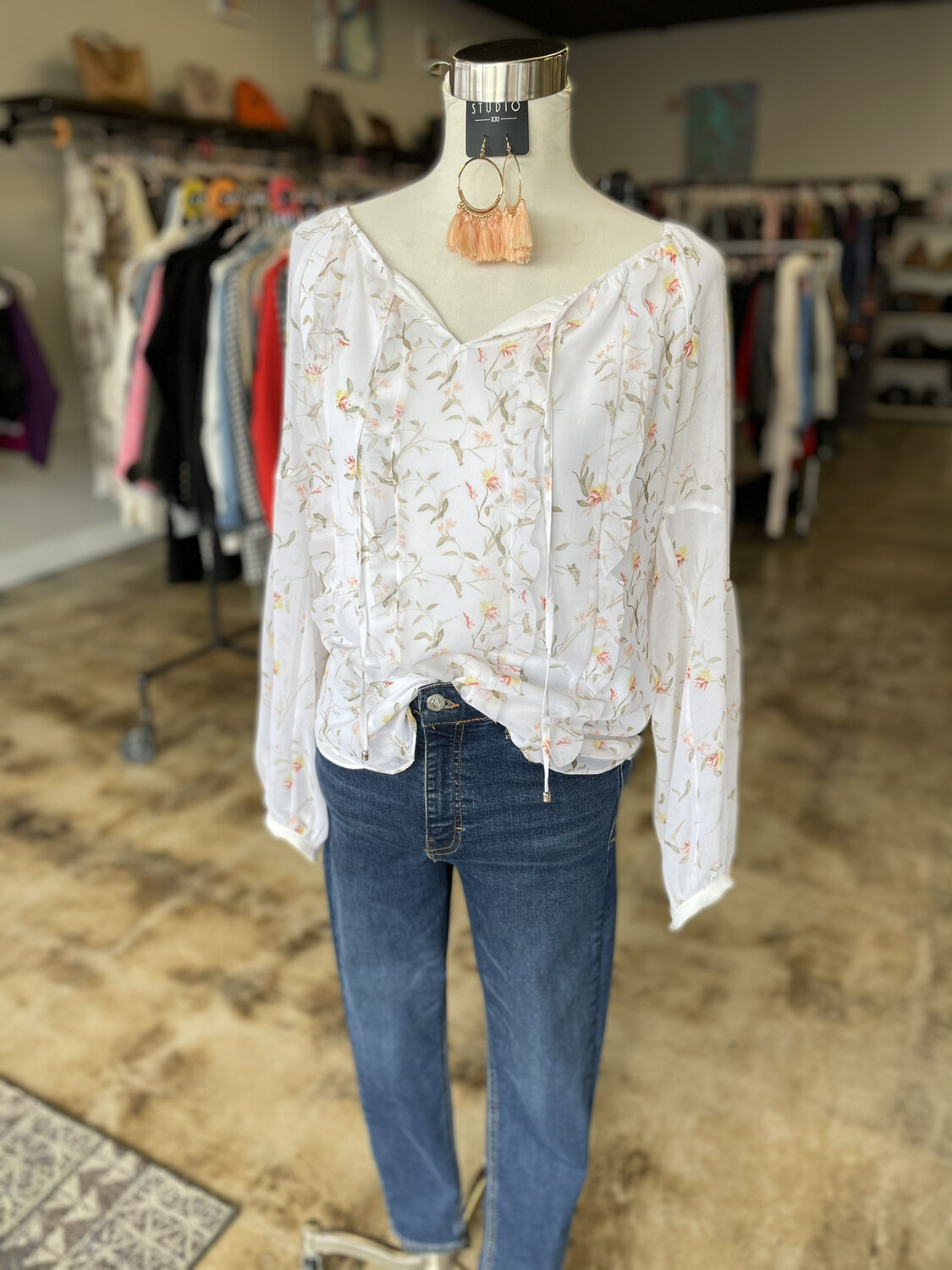 White House Black Market White Floral Blouse - Size 8