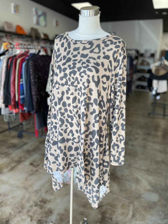 Janette Plus Leopard Tunic Top w/ Pockets - 1X