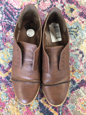 Fergalicious Brown Oxford Shoes w/o Laces - Size 10