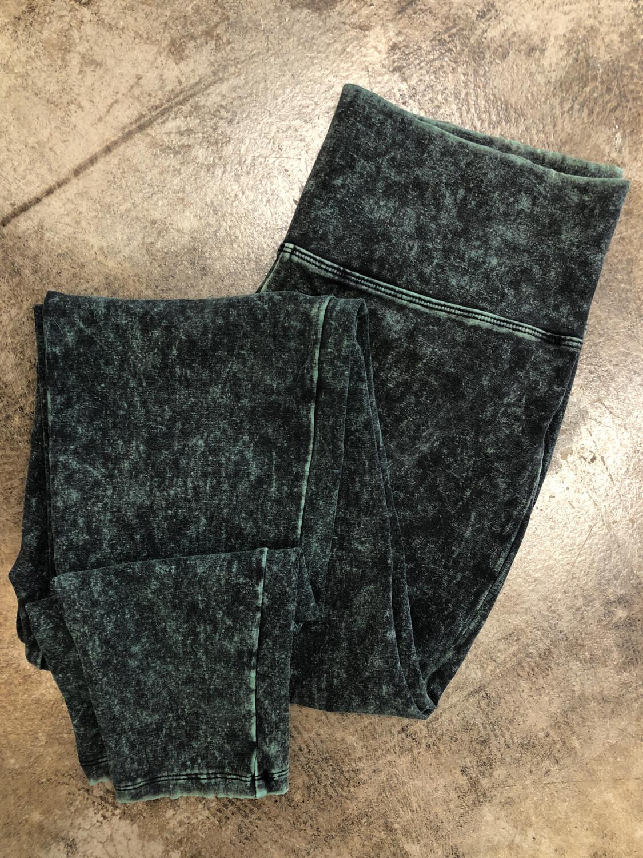 Zenana Signature Faded Green Leggings - Size 1X