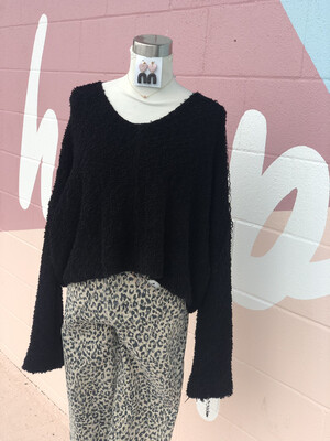 North End Black Cozy Cropped Sweater - M
