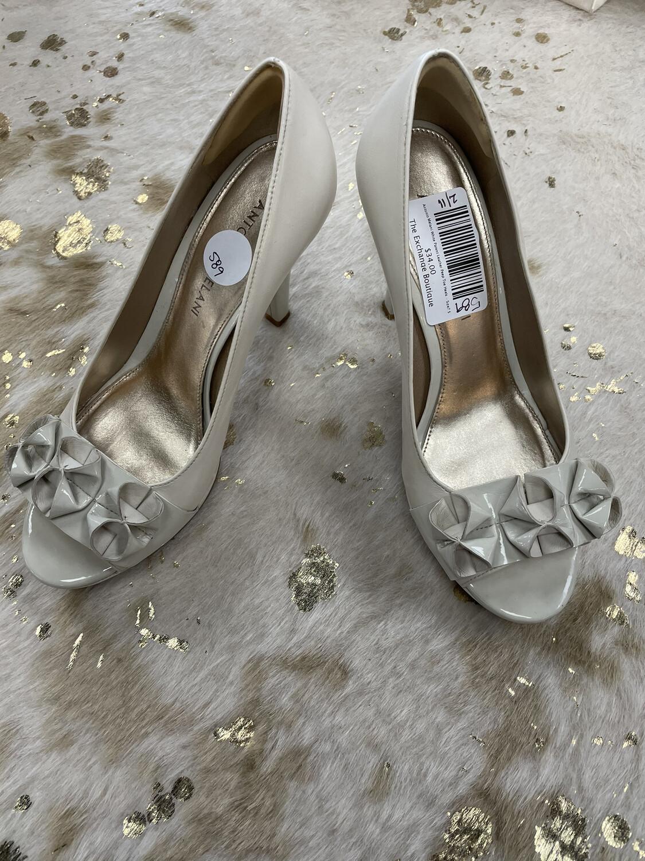Antonio Melani Cream Patent Leather Peep Toe Heels - Size7.5