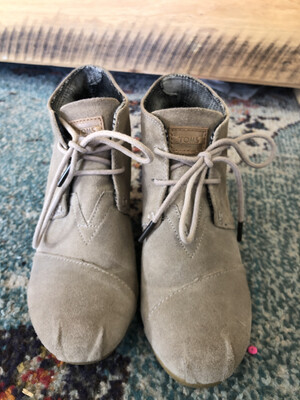 Toms Taupe Wedge Booties - Size 6W