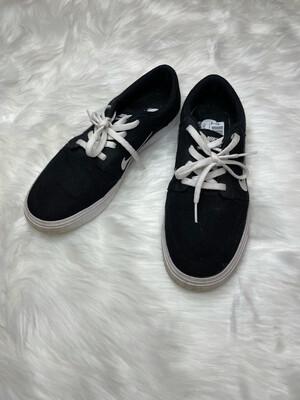 Nike Black Canvas Lace Up Shoes - Size 8