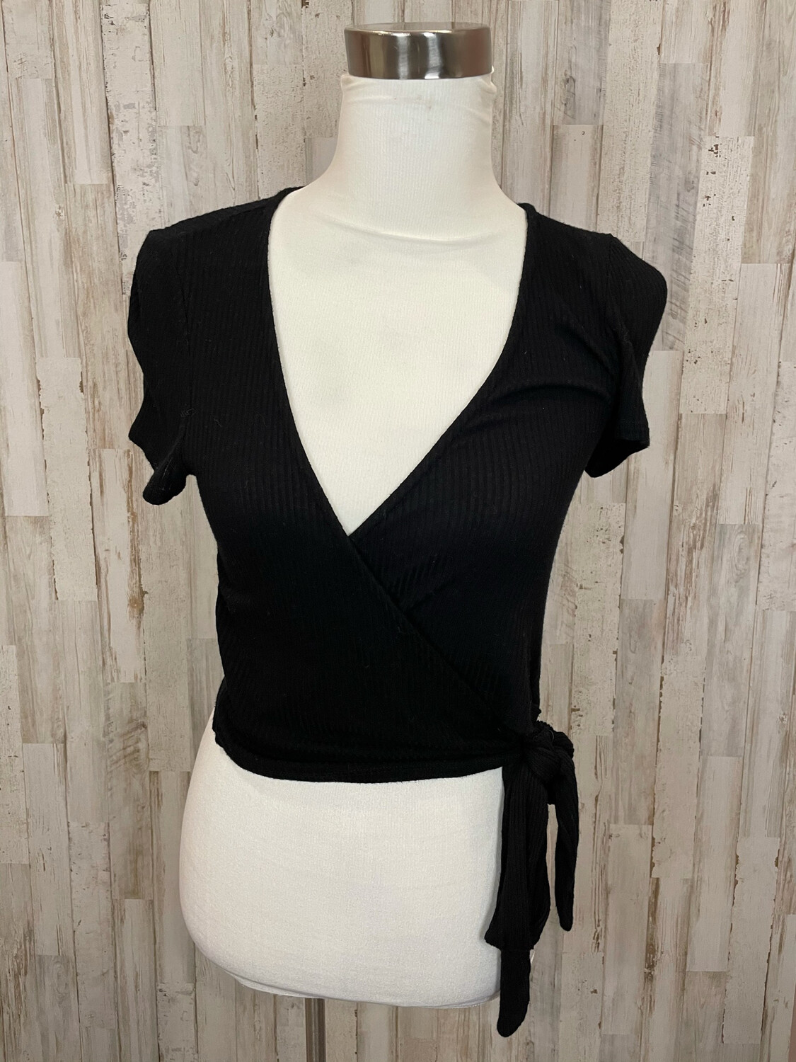 Project Social T Black Ribbed Wrap Top - M