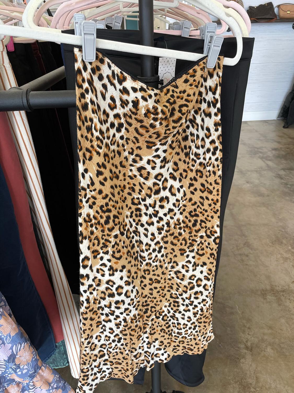 Carly Jean Leopard Midi Skirt - M