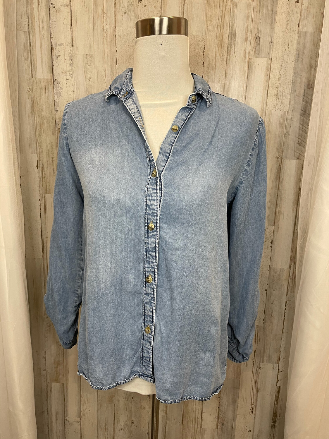 Buttons Chambray Button Up w/ Embroidered Shoulders - S