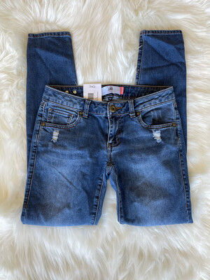 Cabi Lightly Distressed Skinny Jeans - Size 2
