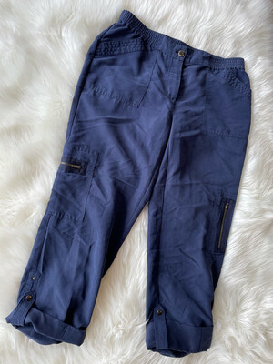 Chico's Navy Cuffed Pant w/Zipper Accent - Size 0.5