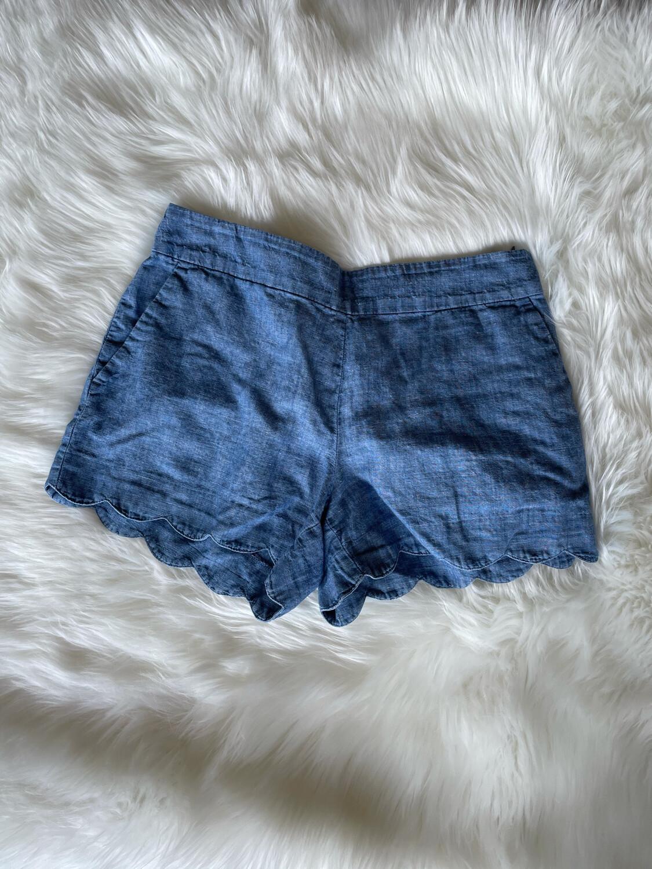 LOFT Blue Riviera Short w/Scalloped Edging - Size 4