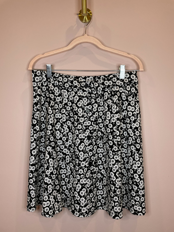 LOFT Black w/White Floral Print Skirt - M