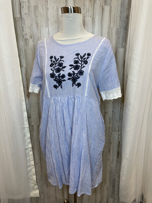 Hazel Blue & White Striped Dress w/Lace Trim Sleeve - L