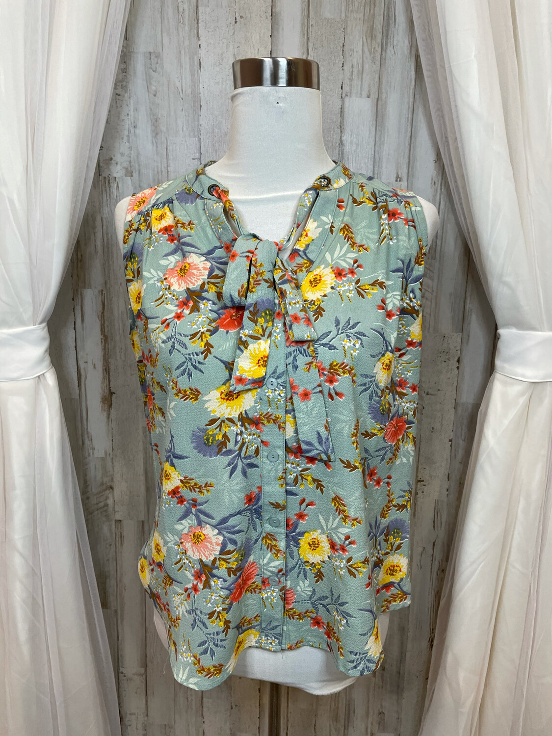 Papermoon Green Floral Top w/Tie at Neck - S