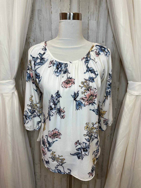 Jella C. White Floral Cold Shoulder Top - M