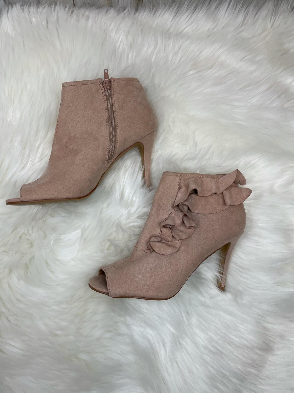 Kaari Blue Pink Ruffle Peep Toe Heels - Size 7