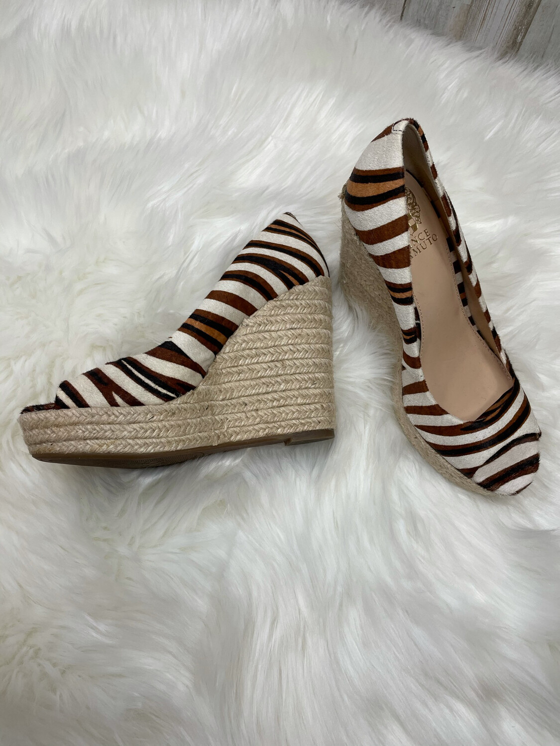 Vince Camuto Brown & White Peep Toe Wedges - Size 7