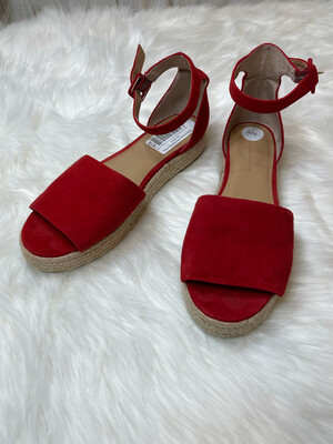 Banana Republic Red Flat Sandals w/ Ankle Straps - Size 8.5