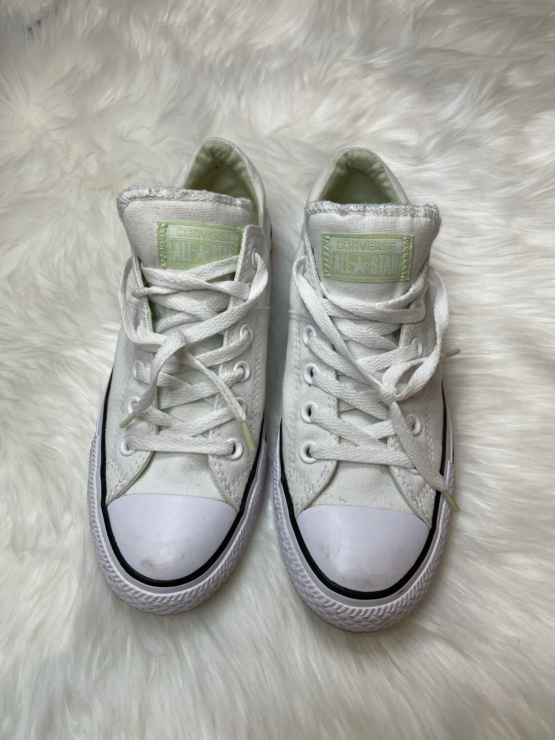 Converse White Lace Up Sneakers - Size 9