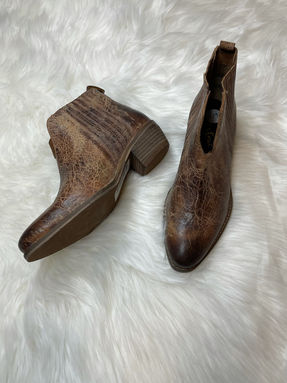 Diba True Brown Worn Distressed Boots - Size 7.5