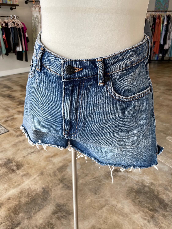 Zara Denim Cutoff Shorts - Size 6