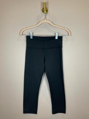 Lululemon Black Capri Athletic Pants - Size 4