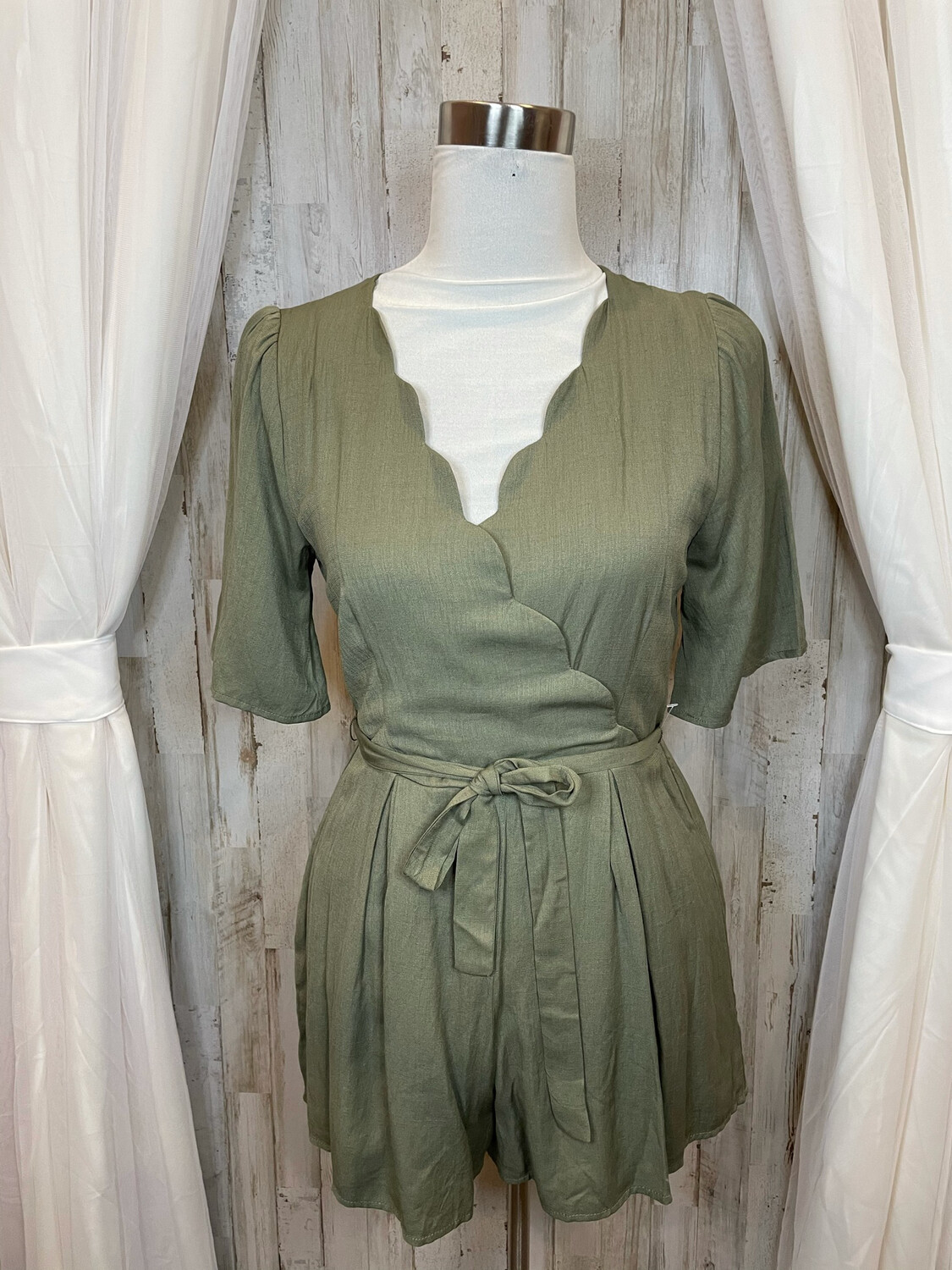 Mi Ami Olive Romper w/Scallloped Accent - S