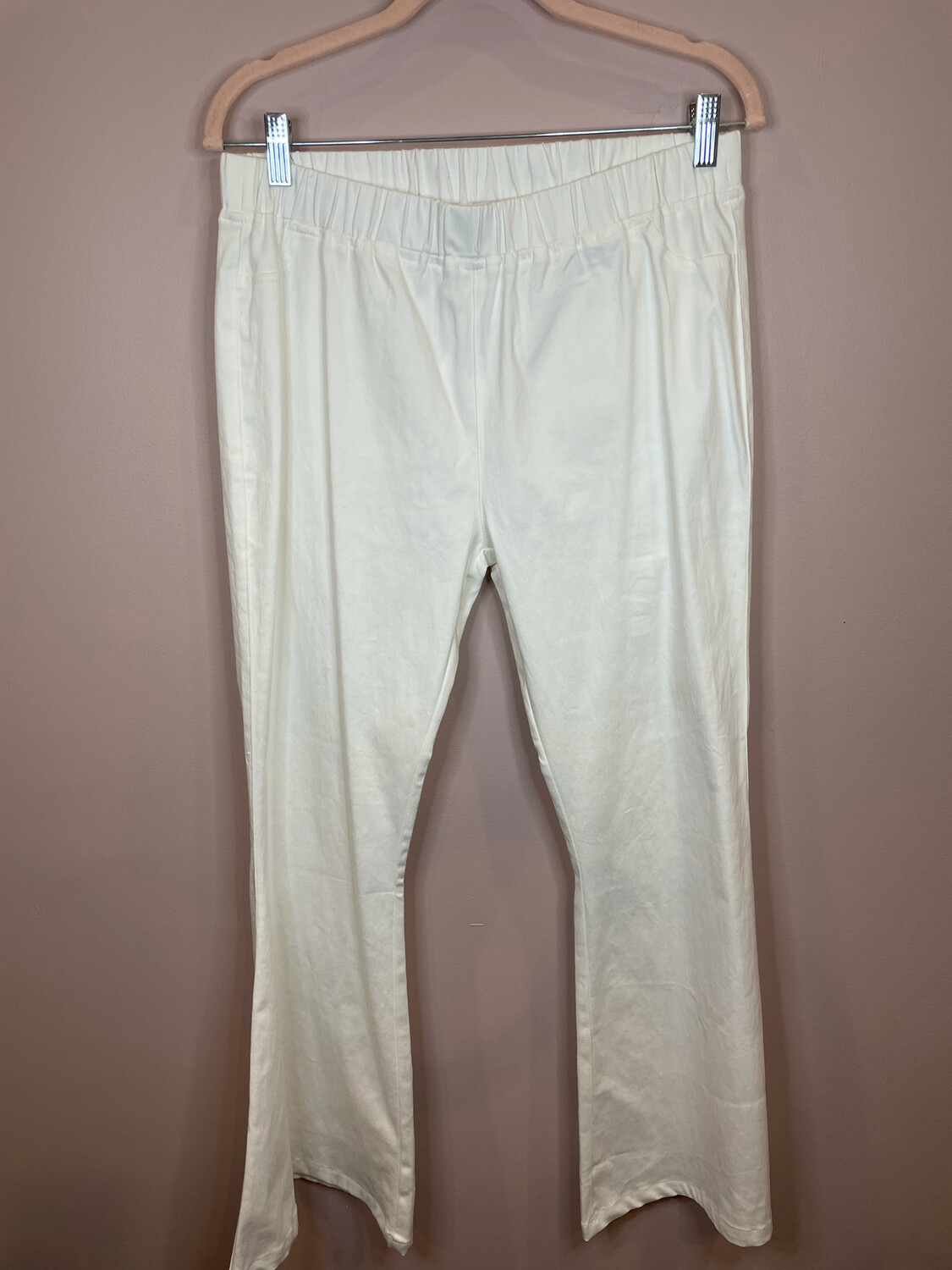 Umgee White Flare Pull Up Pants - 1X