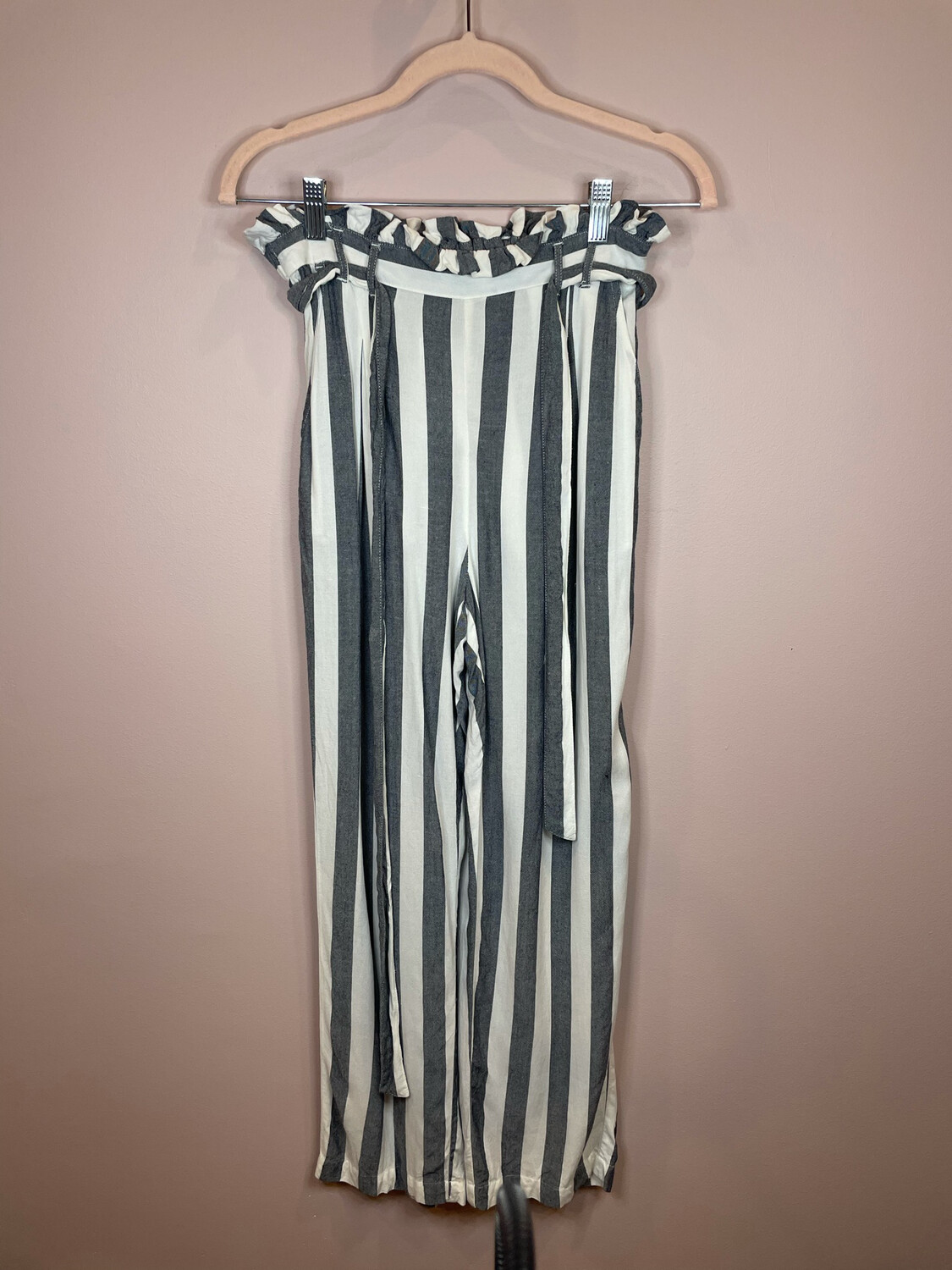 American Eagle White & Chambray Striped Belted Pants - S