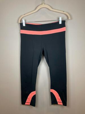 Lululemon Black & Pink Cropped Leggings - Size 8