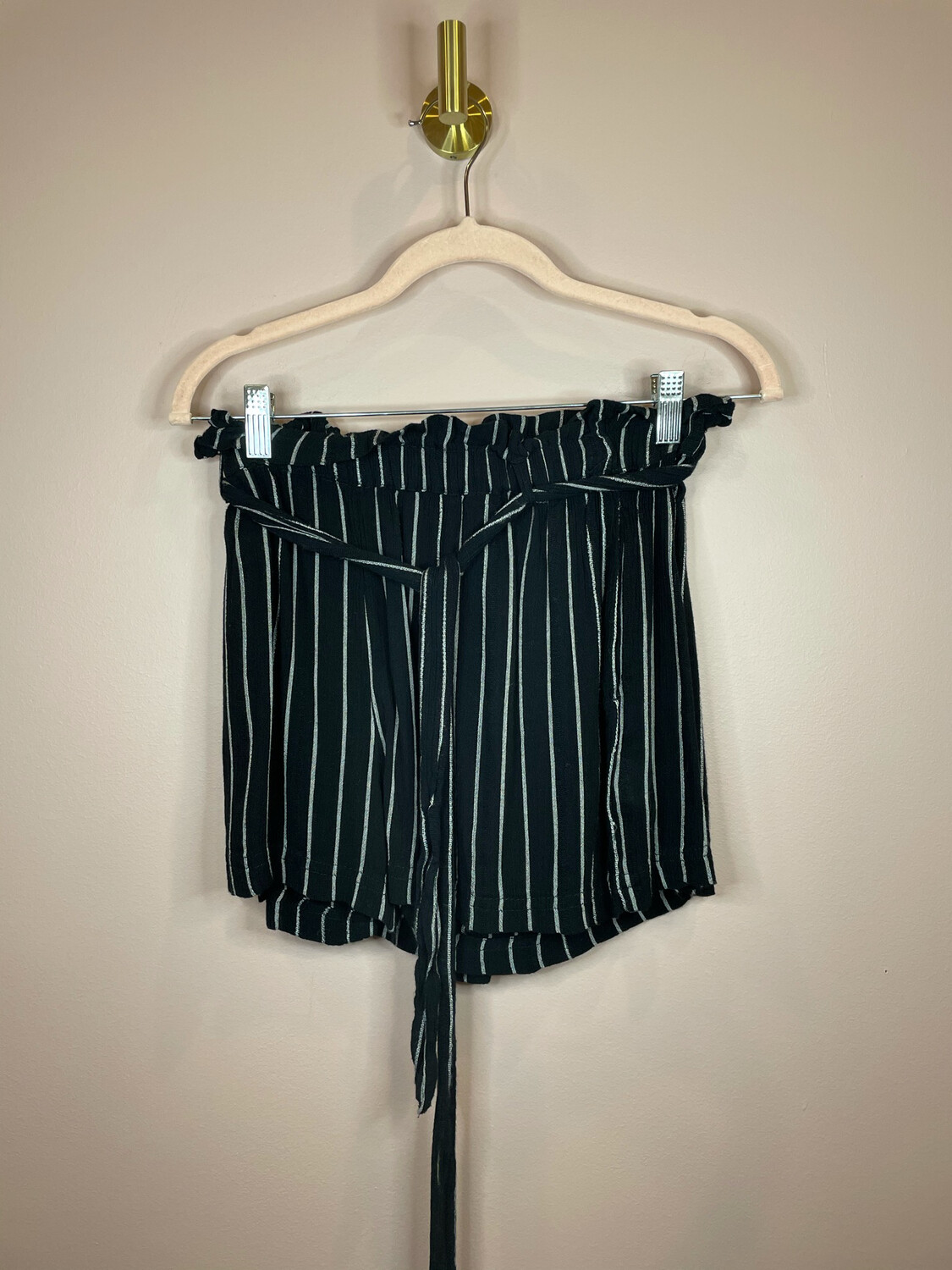 American eagle Outfitters Black & White Striped Shorts - S