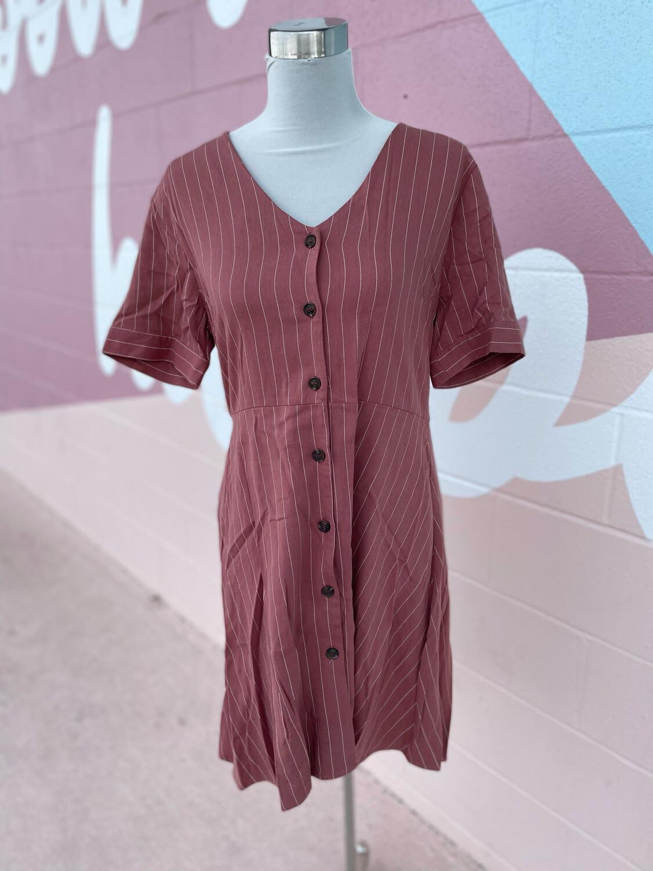 Jodifl Salmon Dress w/White Stripe & Button Accent - L