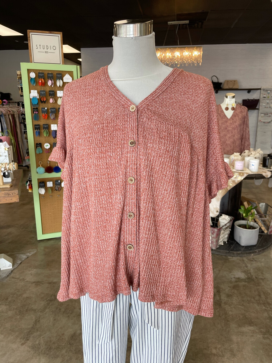 143 Story Mauve Waffle Top w/Button Accent - M