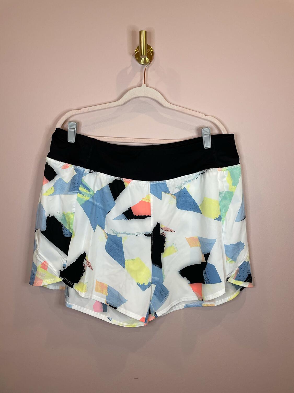 Zelos Curvy White Shorts w/Multicolor Accent - 2X