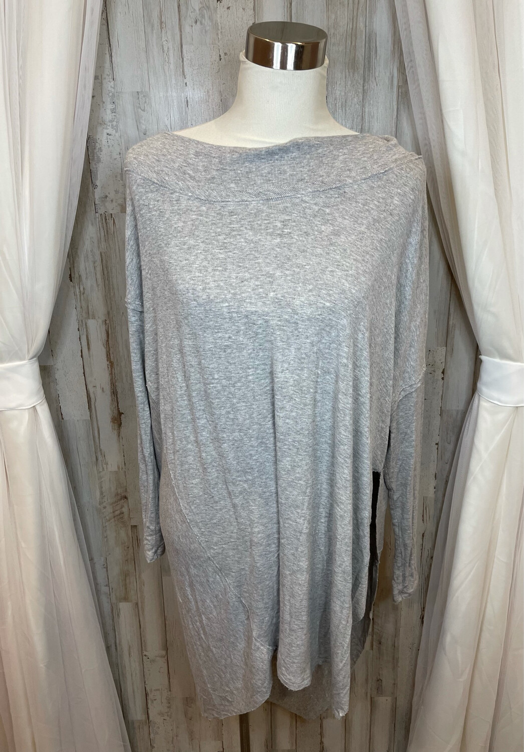 We The Free Grey Oversized Ribbed High Low Top - M