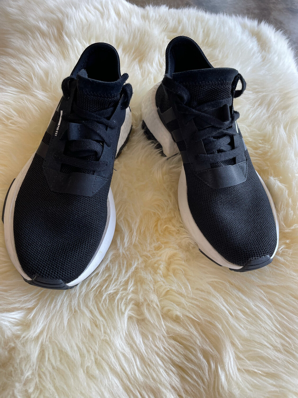 Adidas Black POD-S 3.1 Trainers - Size 7
