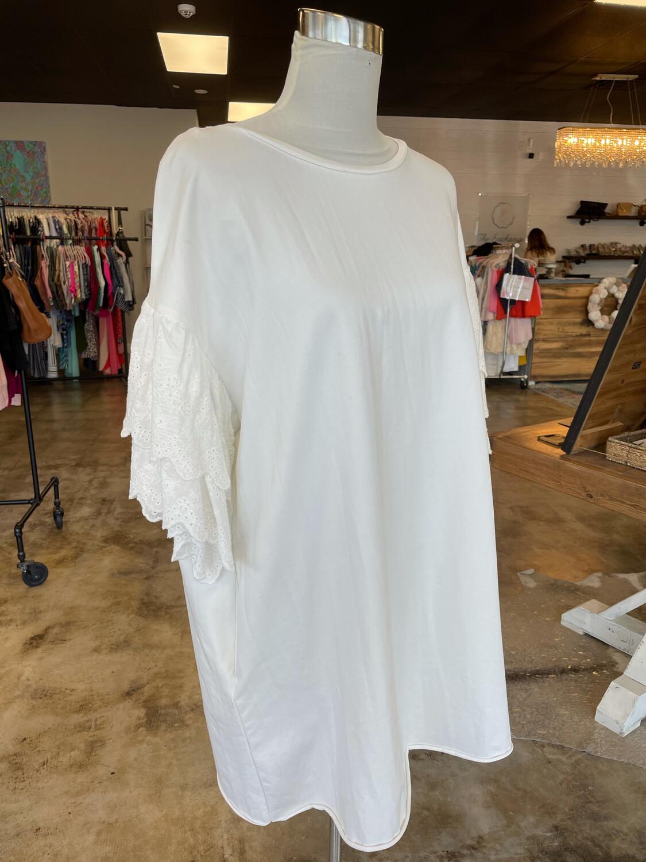 Umgee White Pocketed Dress w/Eyelet Ruffled Sleeve - M