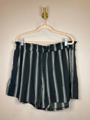 Shein Black & White Striped Shorts - 3X