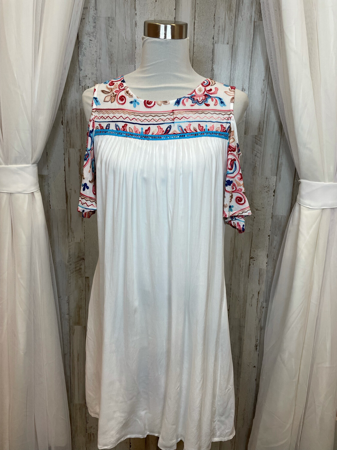 New Directions White Cold Shoulder Dress w/Floral Accent - M