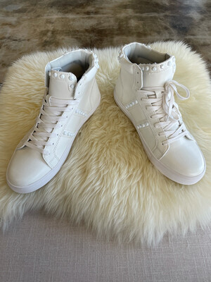 Steve Madden White High Top Sneakers - Size 9