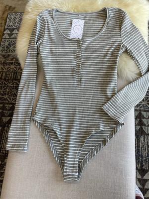 Grey & White Striped Ribbed Bodysuit - M