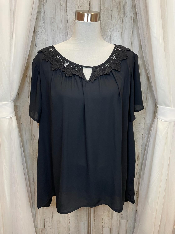 Eyeshadow Black Floral Collar Blouse - 3X