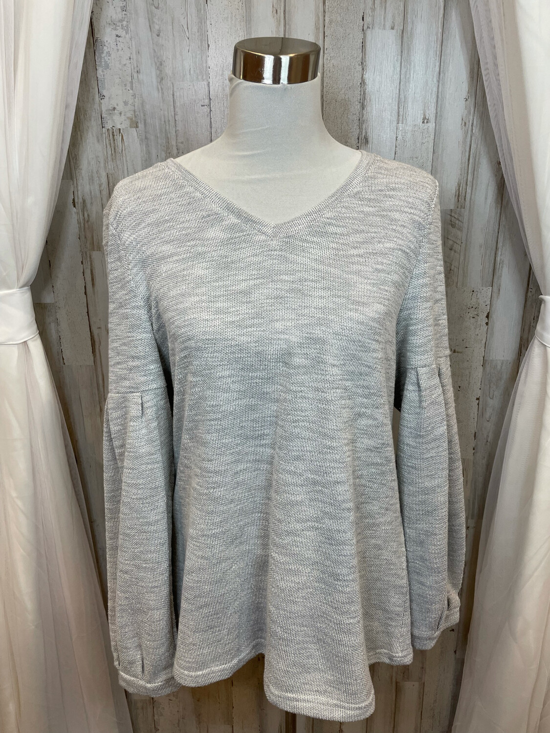 Livin' For The Weekend Grey V-neck Top w/Balloon Sleeve - L