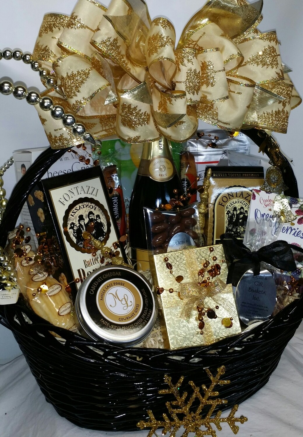 Deluxe Holiday Gift Basket
