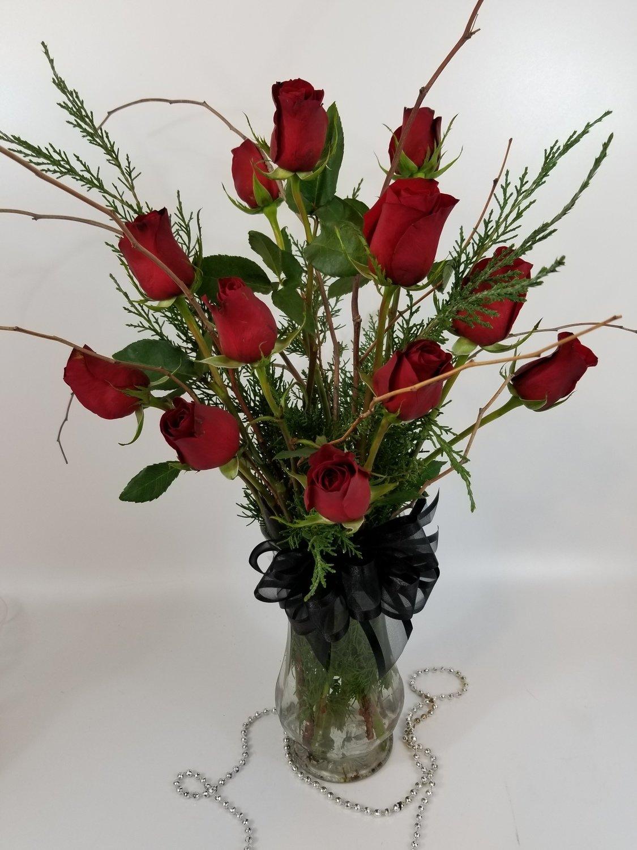 Floral: Dozen Roses