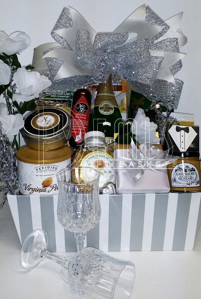 Wedding Deluxe Basket