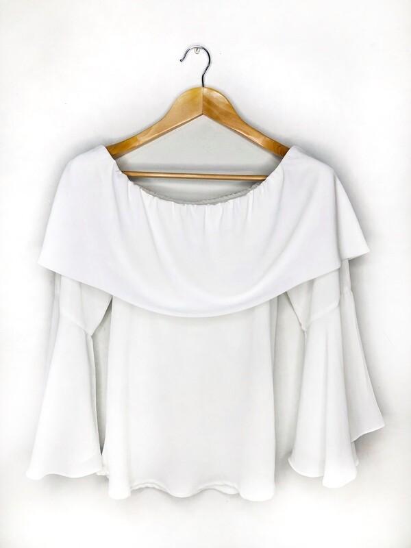 Blusa blanca cuello bandeja