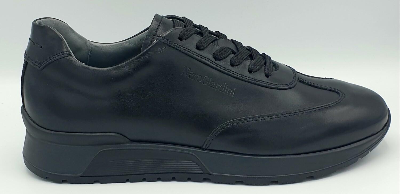 Sneakers Nero Giardini art. I001724U/100 colore nero
